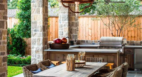 10 Ways to Bring the Indoors Out