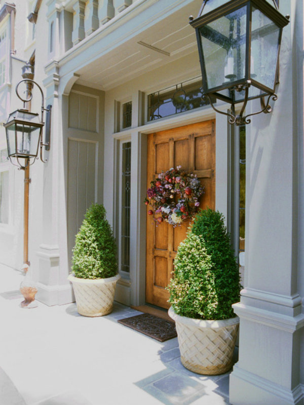 Chic Manicured Shrubs
