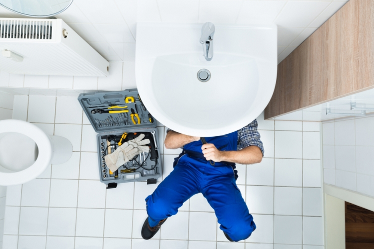 How to Go About Choosing The Right Bathroom Repair Services