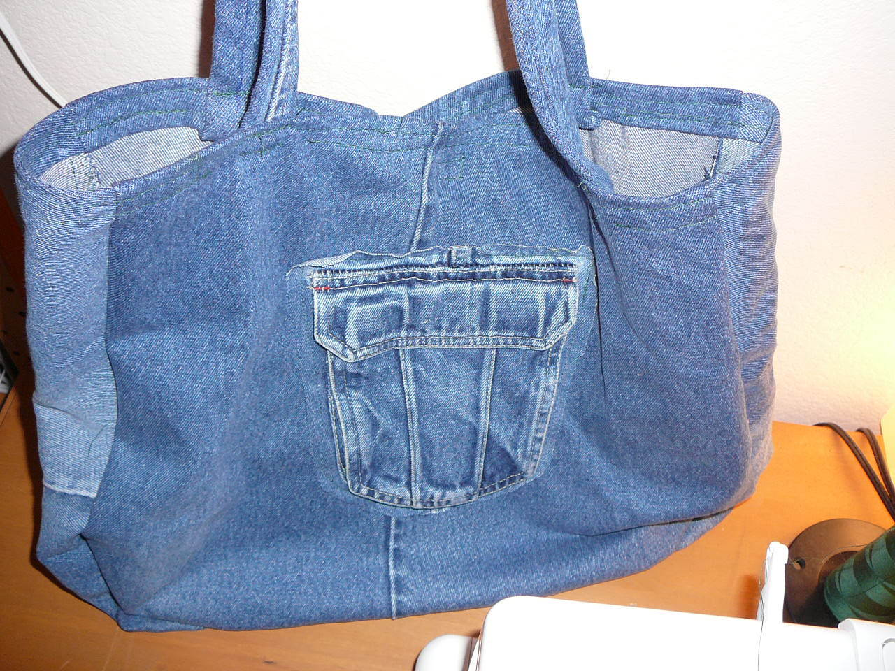 Ways to recycle old jeans - Denim Bag