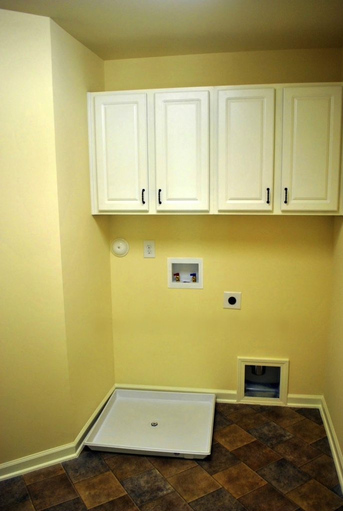 Before-LaundryRoom4