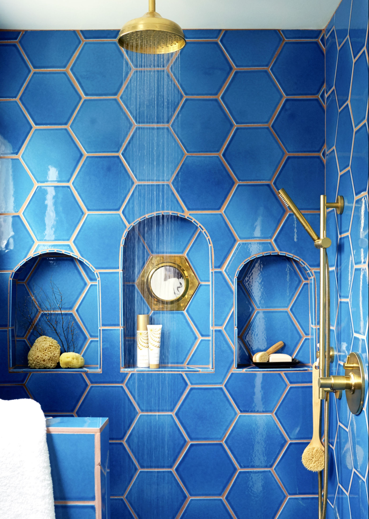 Inspiration transform your bathroom into a home spa - Cobalt blue bathroom accessories ...